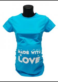turkiz modra majica z napisom